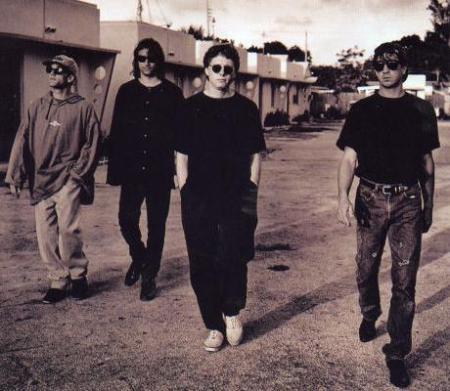 rem-1992_musicasocial